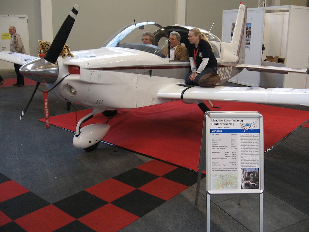 lisa das leserflugzeug ist da erfolgreiche premiere auf der aero friedrichshafen aktuelles. Black Bedroom Furniture Sets. Home Design Ideas